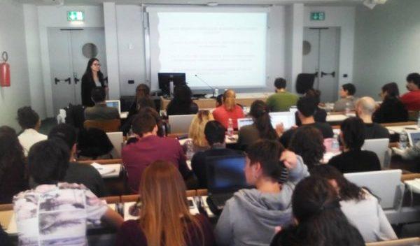 Estudiantes de Ciencias Sociales y Humanidades ponen en alto a la UG en Italia
