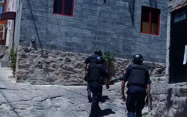 Hombres armados asaltan tienda en la Panorámica